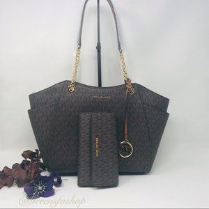 MICHAEL KORS JET SET LARGE CHAIN TOTE & WALLET